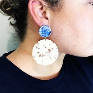 CLOSET REHAB Jewelry - Circle Drop Earrings in Cream with Blue Stud